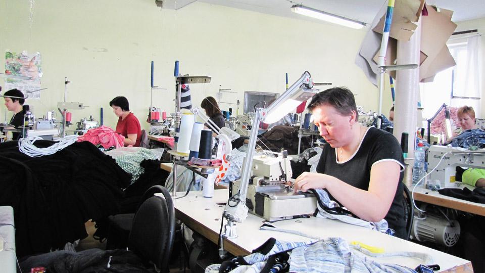 Наш пошивочный цех- это более 150-ти высококвалифицированных сотрудников...